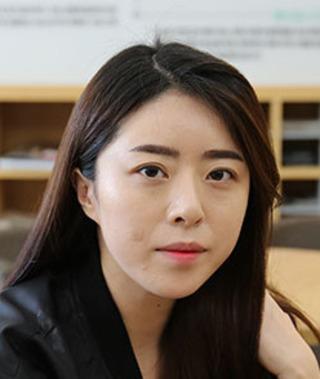 バノバギ整形外科の輪郭3点(エラ、頬骨、前顎)、脂肪吸引(顎先)、目の下脂肪再配置の症例写真(ビフォー)